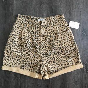 NWT Free People Chetah print High rise shorts (30)